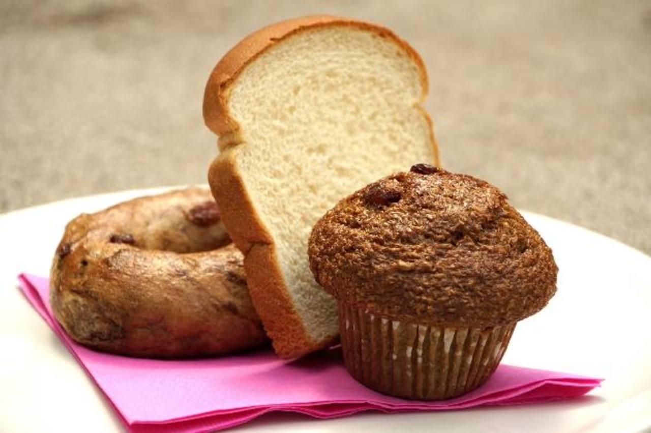 El gluten es una proteína que se encuentra en productos derivados del trigo, la avena, el centeno y la cebada, entre otros.