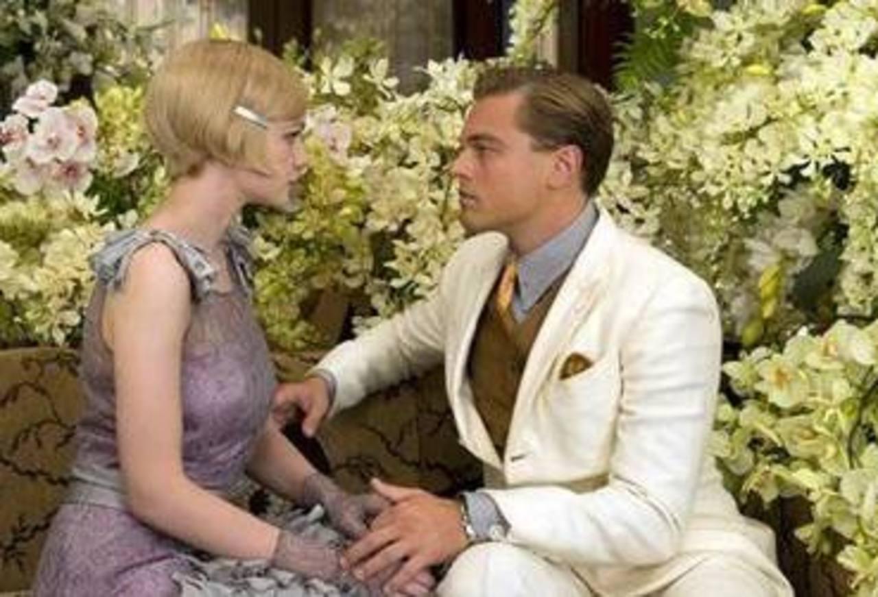 """Leonardo DiCaprio interpreta a Jay Gatsby al lado de Carye Mulligan, como Daisy Buchanan, en una escena de la cinta """"The Great Gatsby"""", de la Warner Bros. Foto/ AP"""