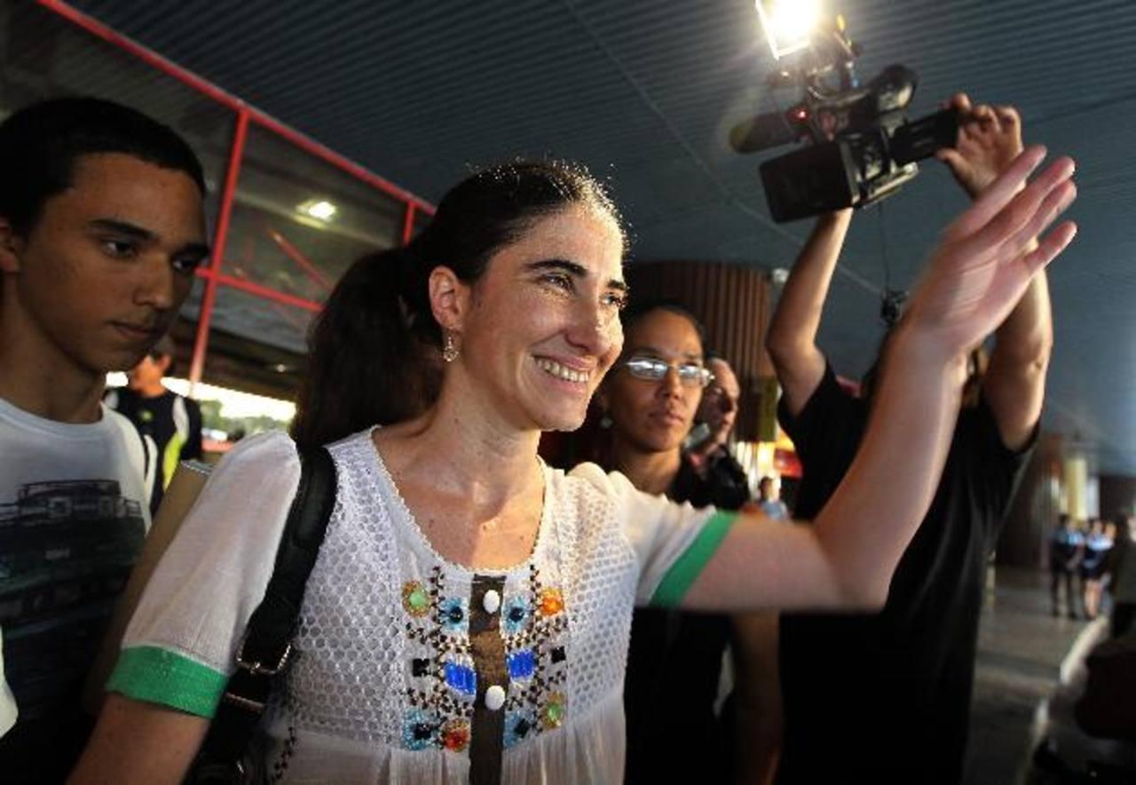 La bloguera cubana Yoani Sánchez, creadora del blog Generación Y, llega a La Habana. foto edh / efe