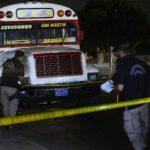 Testigos atribuyeron el ataque a jóvenes con uniformes del Instituto Santa Lucía.