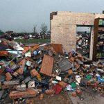Escombros de la Escuela Elemental de Plaza Towers. FOTO AP