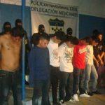 Un total de 27 supuestos pandilleros fueron detenidos durante un operativo en Mejicanos, informaron las autoridades. Foto cortesía FGR