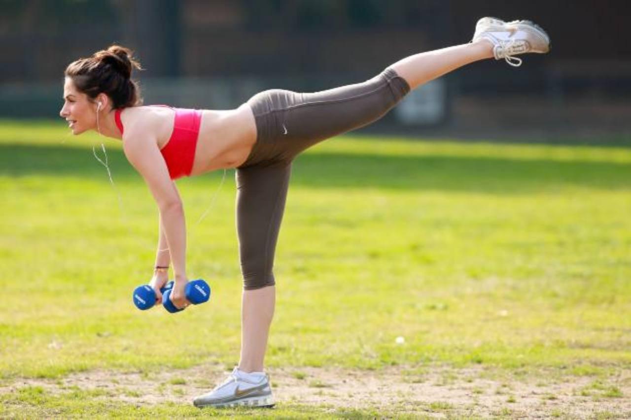 Ejercicio disminuye riesgo de cálculos en mujeres