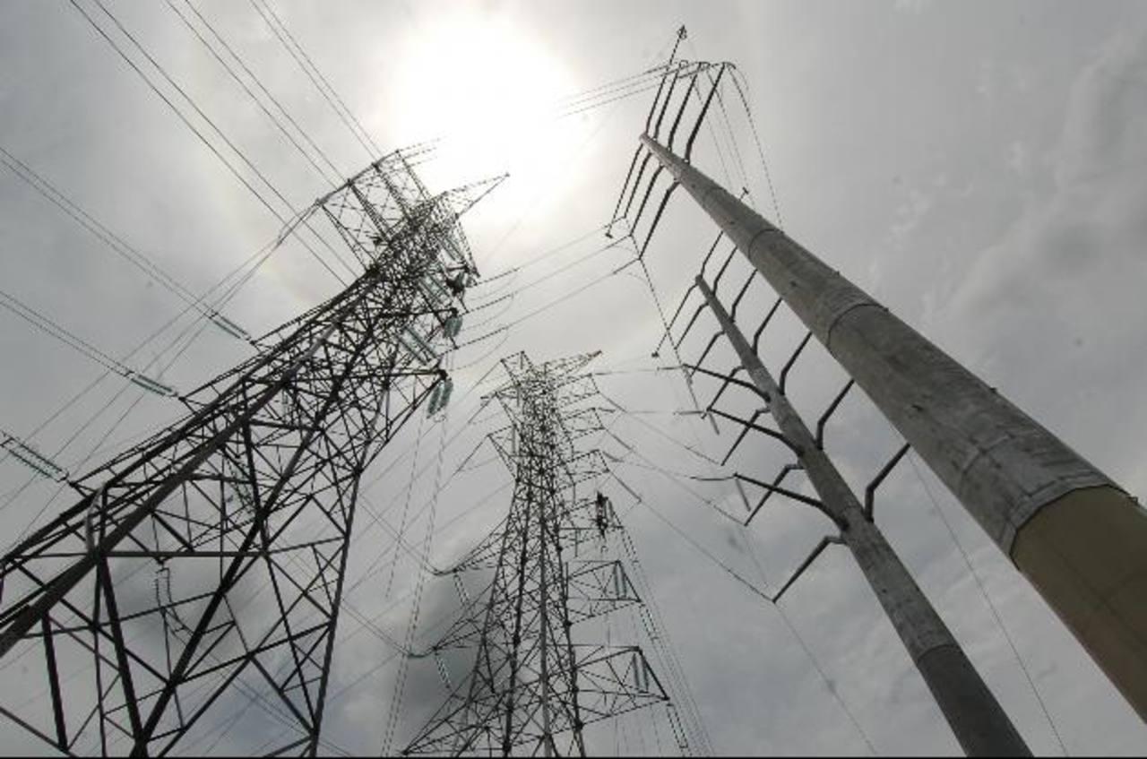 El Salvador está vendiendo energía a Panamá a través del SIEPAC. Foto EDH /Leonardo González