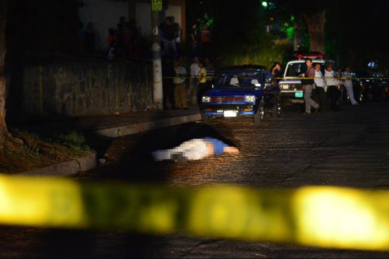 Sitio donde el miércoles asesinaron a Jorge Antonio López Lemus en la colonia Montserrat.