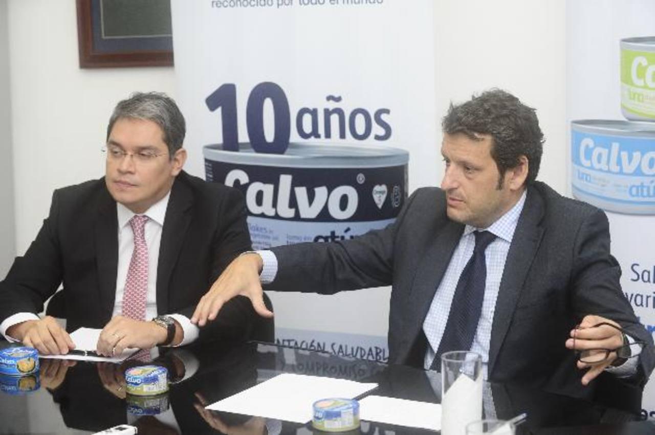 Miguel Peñalva (der.) regresa a España y Boris Quintanilla asumirá la dirección. EDH / Omar carbonero