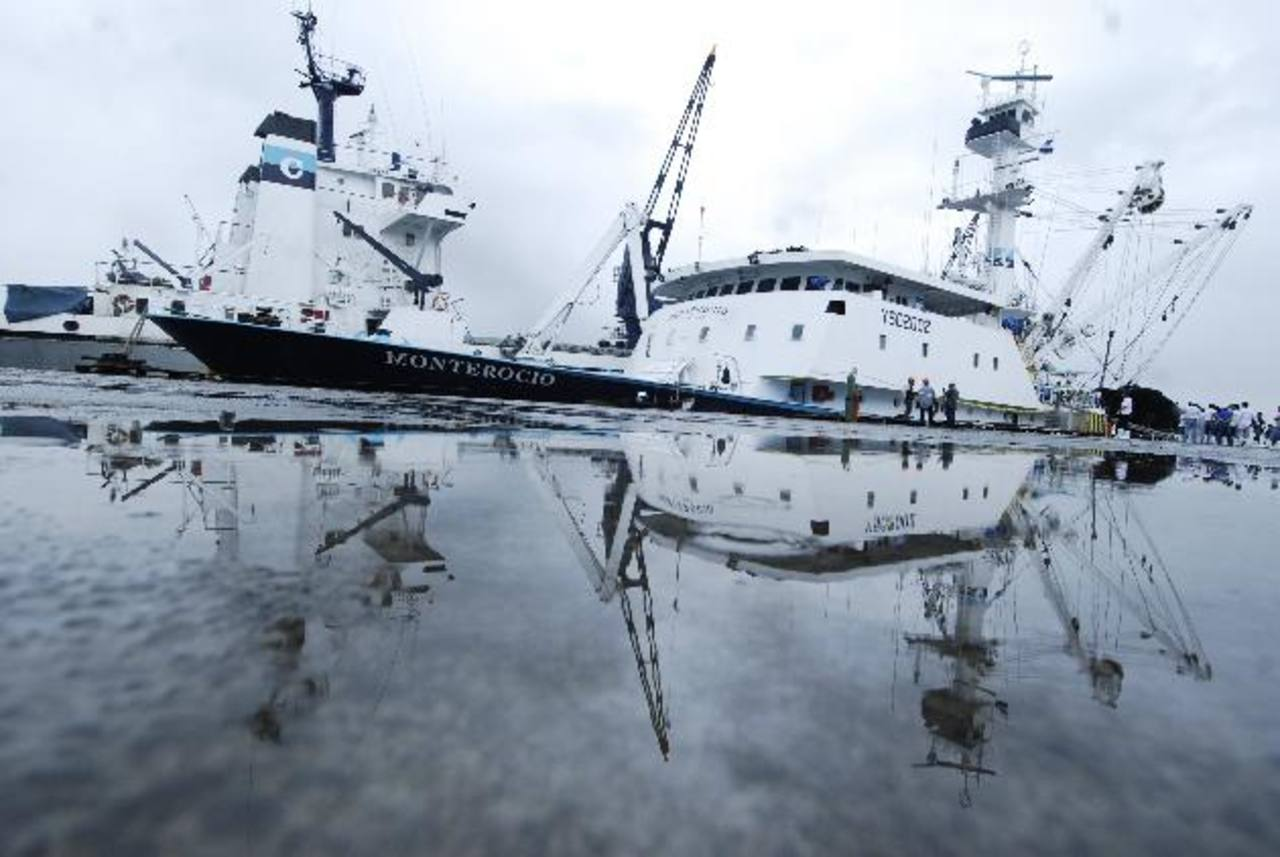 Actualmente, Grupo Calvo cuenta con una flota de cuatro barcos pesqueros. La compañía espera que antes de que finalice 2013 pueda incorporar dos barcos más de bandera salvadoreña para incrementar su materia prima. Foto EDH / archivo