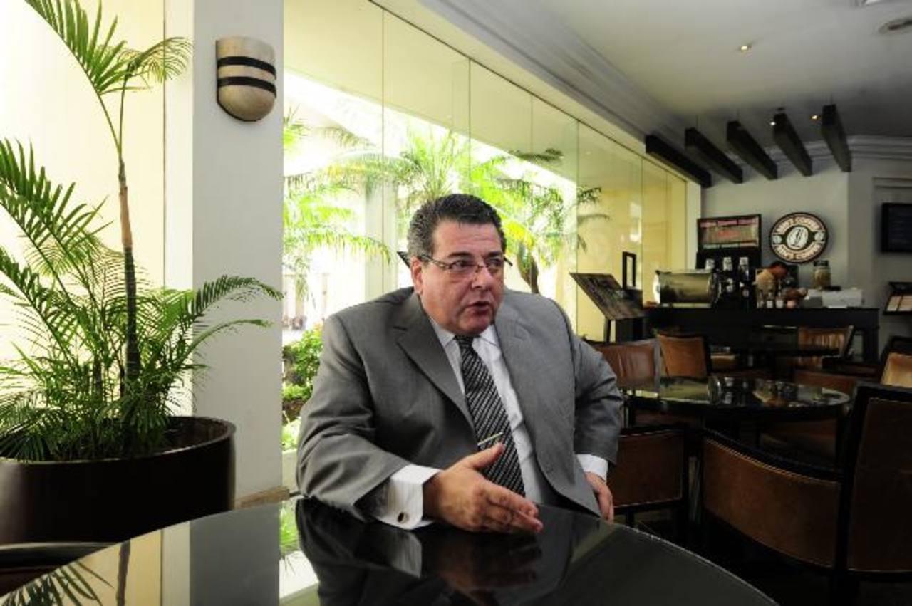 El director general de la AIR cree que los periodistas viven bajo serias amenazas del crimen organizado. fotos EDH / Omar carbonero