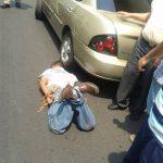 Un individuo que intentaba hurtar un vehículo fue atrapado por ciudadanos, confirmó la Policía. Foto/ Cortesía