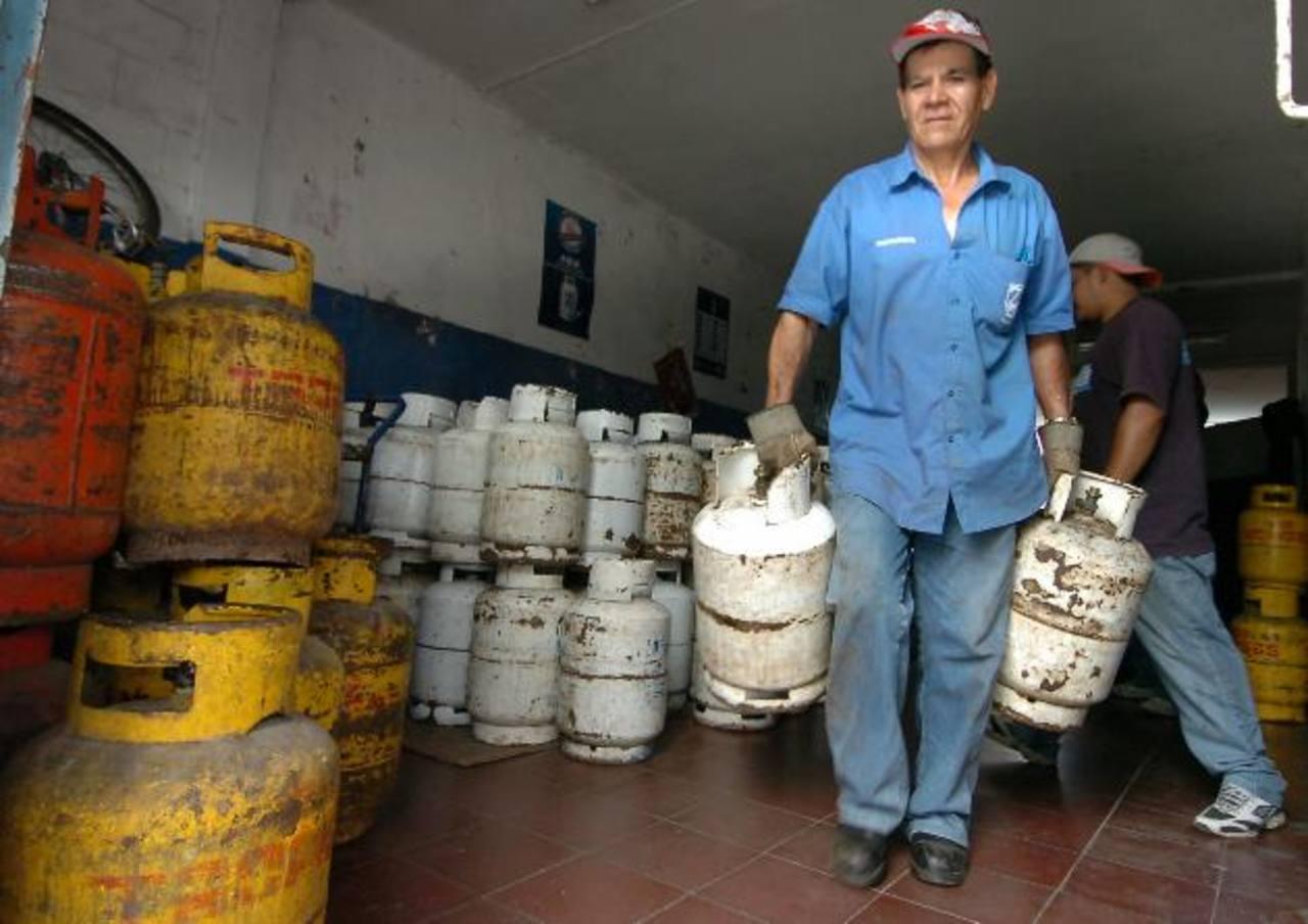 El Goes pagó más de $500 Mlls. en diferentes subsidios en 2012, incluyendo el de gas. Este año va por el mismo camino. foto edh