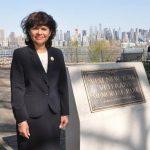 Mayra Domínguez emigró a los Estados Unidos en 1967, cuando tenía siete años.