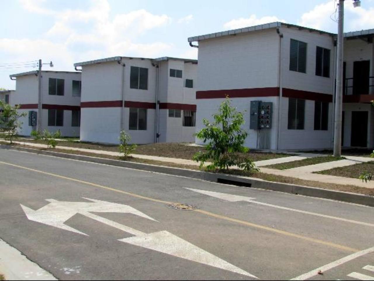 """Algunas apartamentos del proyecto """"Casa para Todos"""", valorados hasta en $28 mil, y que ante baja demanda les bajaron $5 mil."""