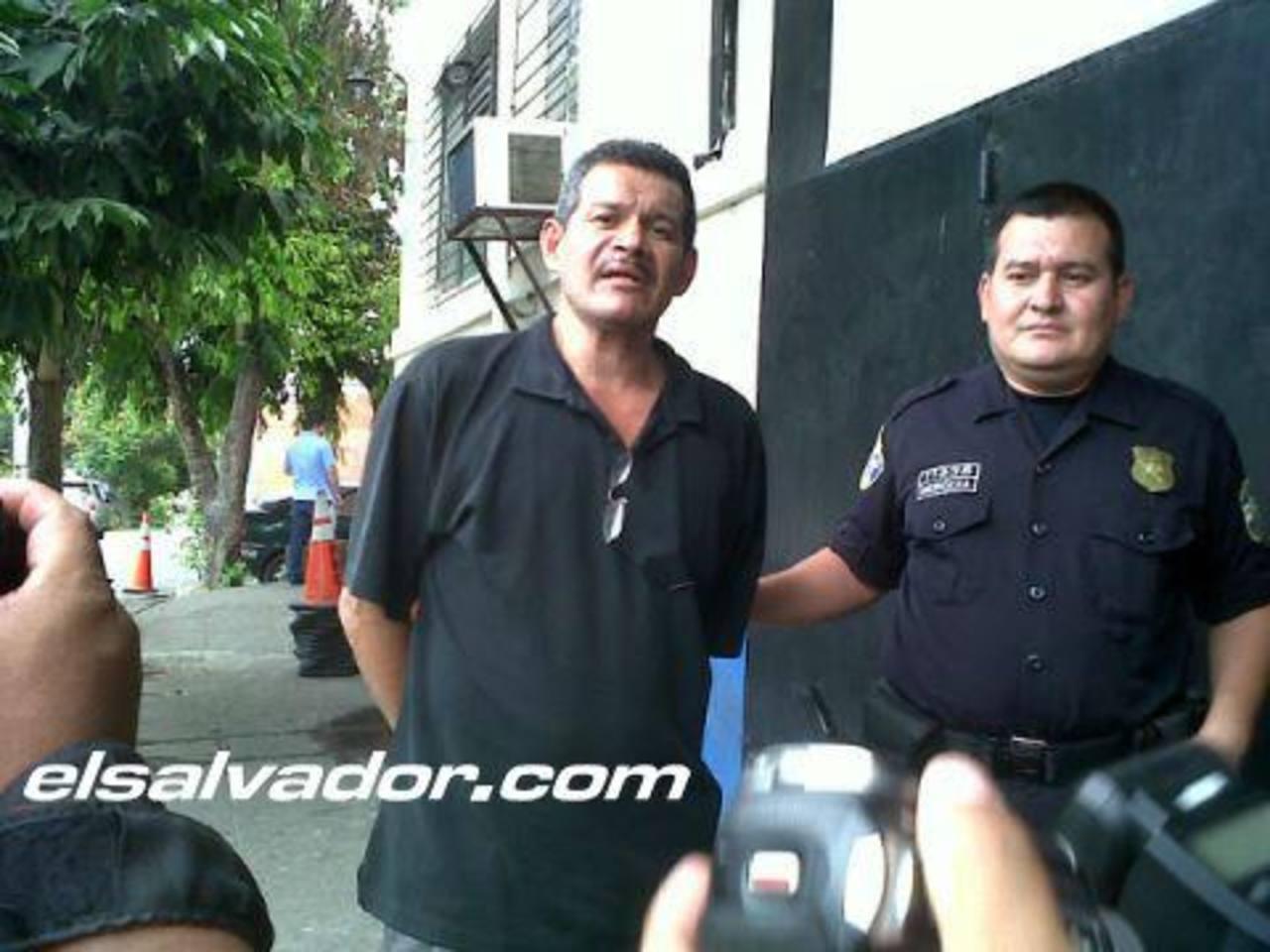 Lemus fue detenido por el delito de conducción temeraria en la avenida Monseñor Romero