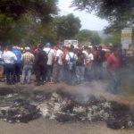 Pobladores de Guatemala bloquearon el ingreso a la frontera San Cristóbal. Foto vía Twitter Juan José Morales