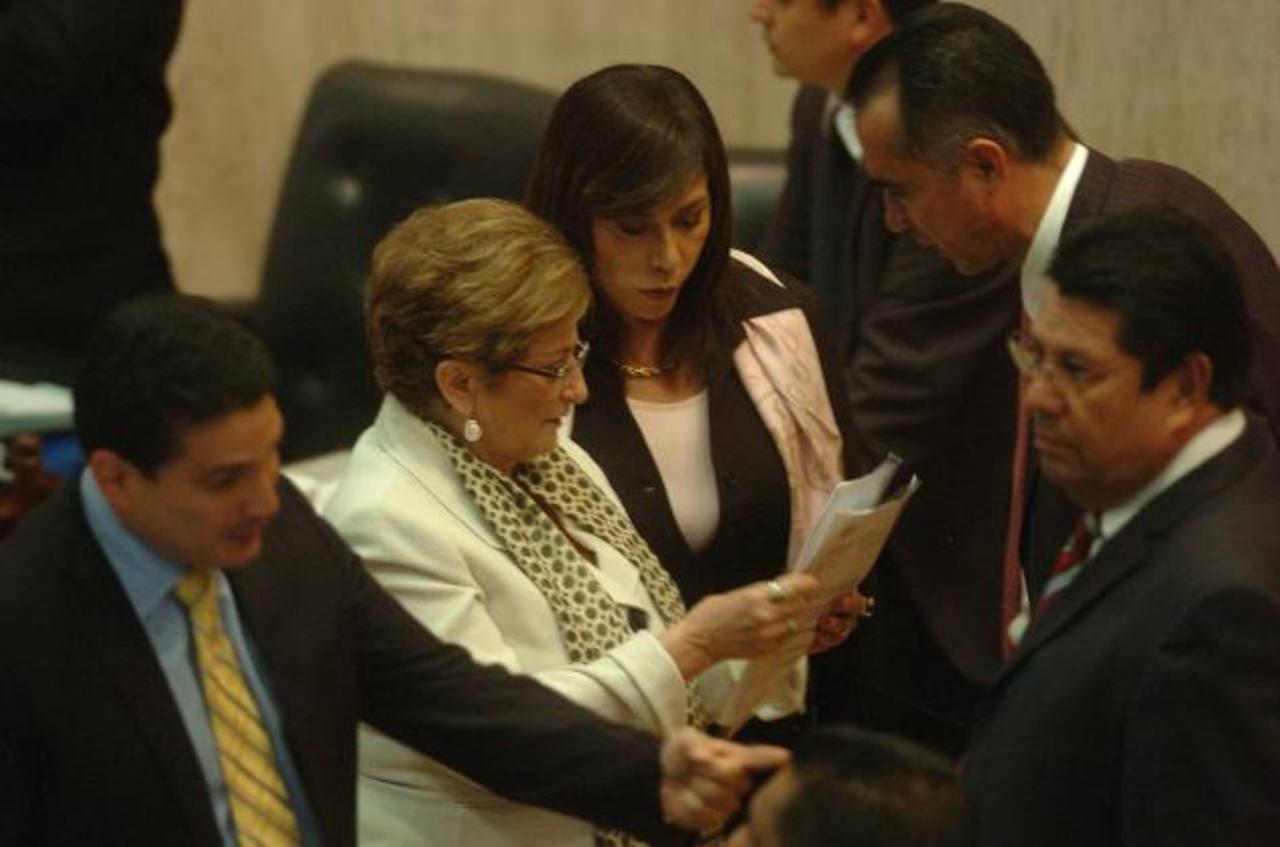 ARENA pide a Ejecutivo explicar cómo usará los fondos extraordinarios
