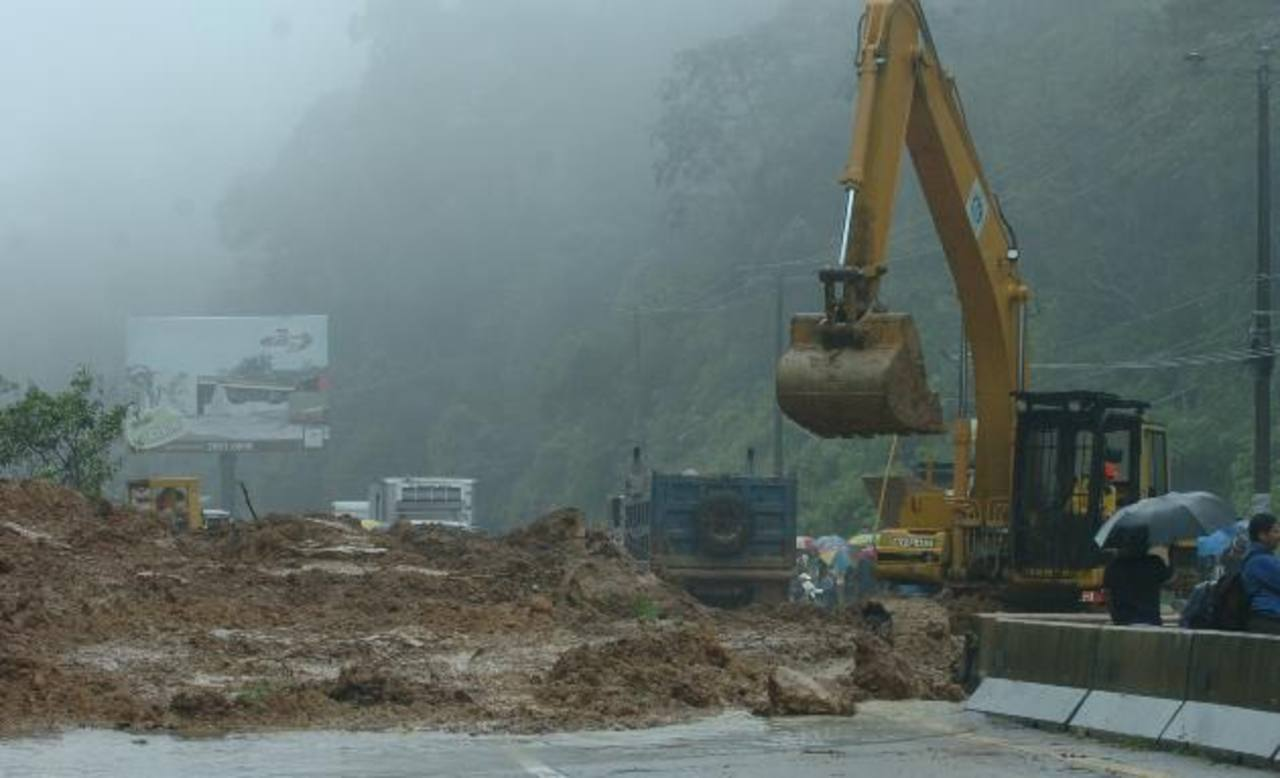Fovial y el MOP trabajarán para que las carreteras estén libres en el invierno. Foto EDH / ArchivoEn la época invernal el MOP reparará 50 cárcavas a nivel nacional. Foto EDH / Archivo