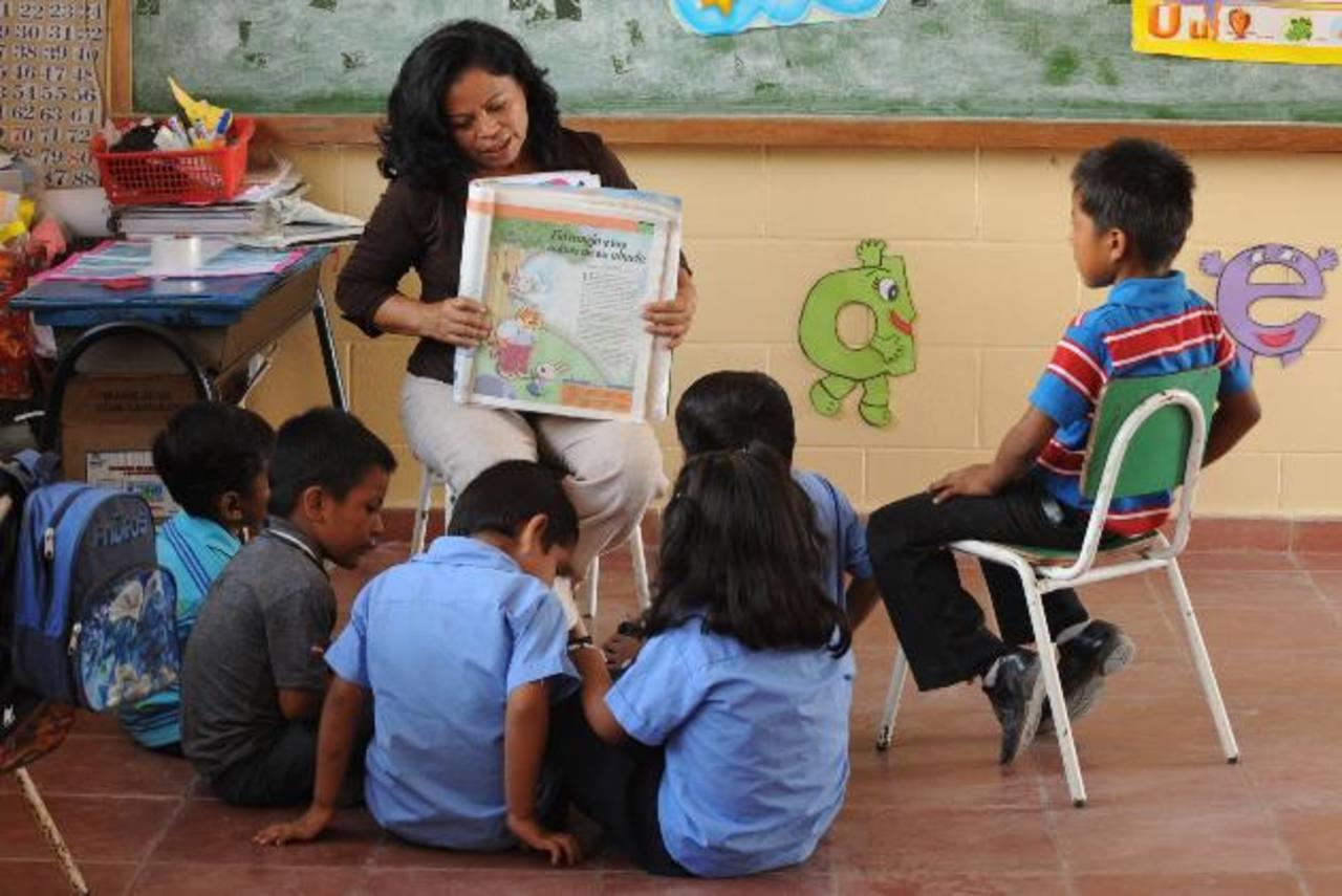 """Según los maestros, la nueva propuesta es """"un retroceso"""" para el gremio. Foto EDH / archivo"""