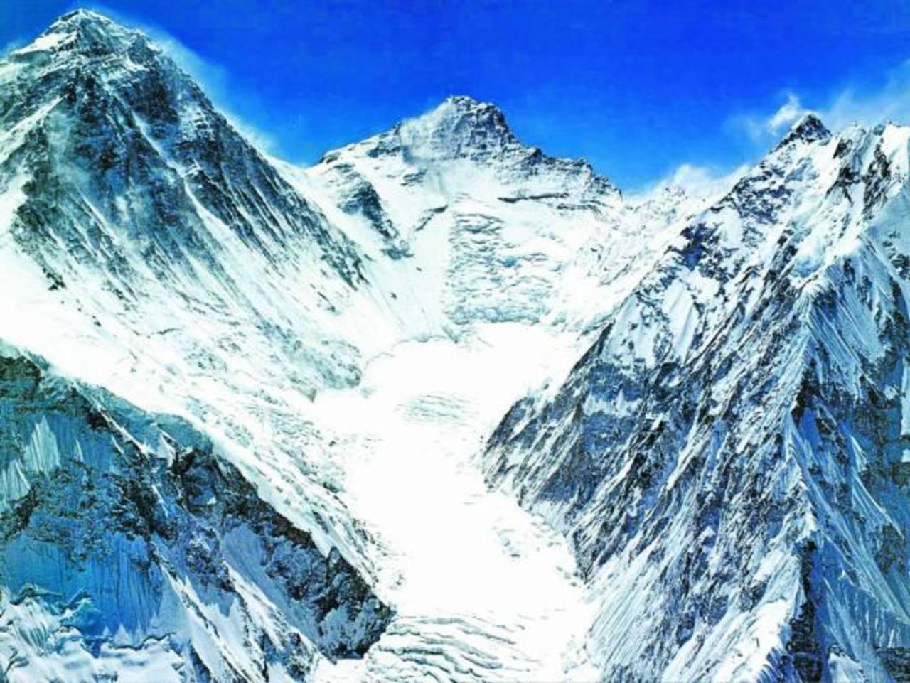 Min Sherchan ha escalado el monte Dhaulagiri, de 8,167 metros.El Monte Everest está ubicado en el Himalaya y tiene una altura de 8,848 metros sobre el nivel del mar. Escalarlo es el sueño de muchos. foto edh