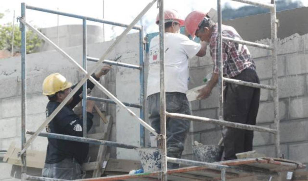 Burocracia estanca $600 millones de inversión en construcciones