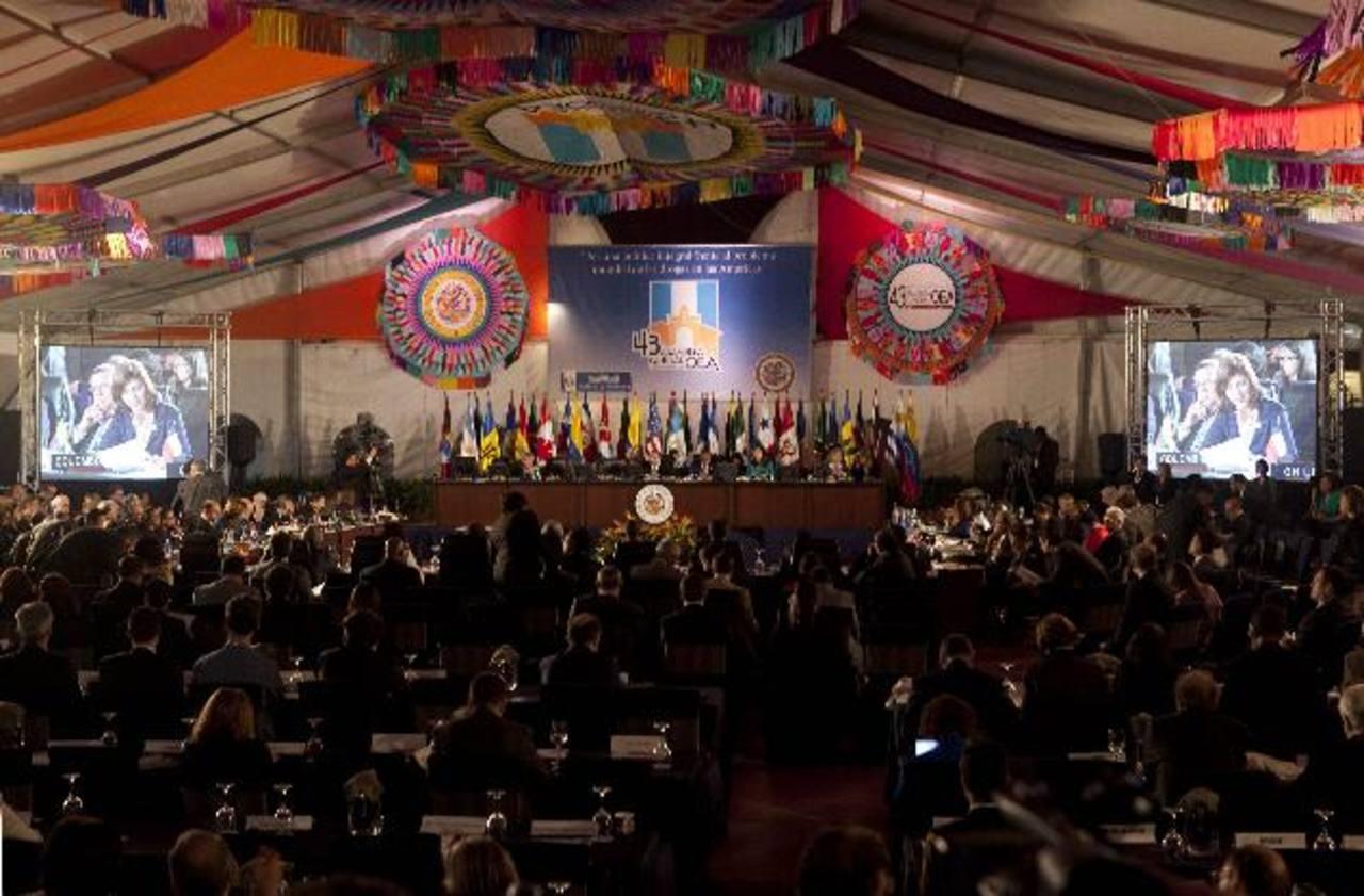 Vista general de la sesión plenaria de la 43 asamblea anual de la Organización de Estados Americanos (OEA) ayer. foto edh / efe