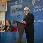 El embajador de Perú en España, Francisco Eguiguren Praeli, durante su intervención en las actividades por el primer aniversario de la Alianza del Pacífico, en Mérida, México. foto edh /efe