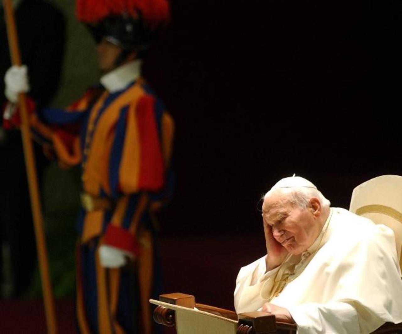 Juan Pablo II podría ser proclamado santo el 20 de octubre, fecha cercana al 35 aniversario de su pontificado.