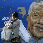 Mandela sigue en estado grave, dice Gobierno sudafricano