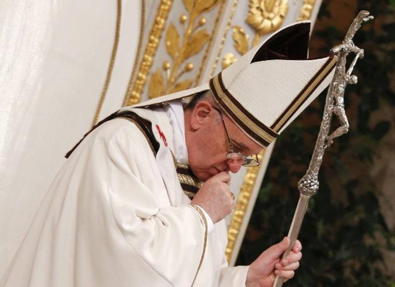 Papa Francisco descarta vacaciones y permanecerá en el Vaticano
