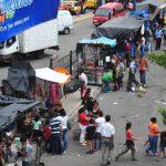 Vendedores de la zona anunciaron que protestarán hoy por un eventual desalojo del Bulevar del Ejército. Una reubicación correspondería a la alcaldía de Soyapango. Foto edh / archivo
