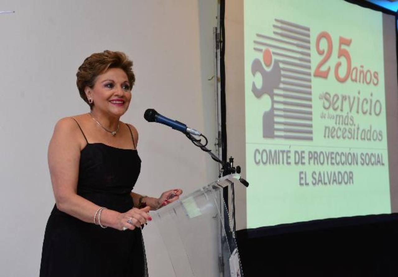 Elizabeth de Calderón Sol destacó que el comité ha logrado ampliar su obra en favor de los necesitados. Fotos EDH / césar avilés