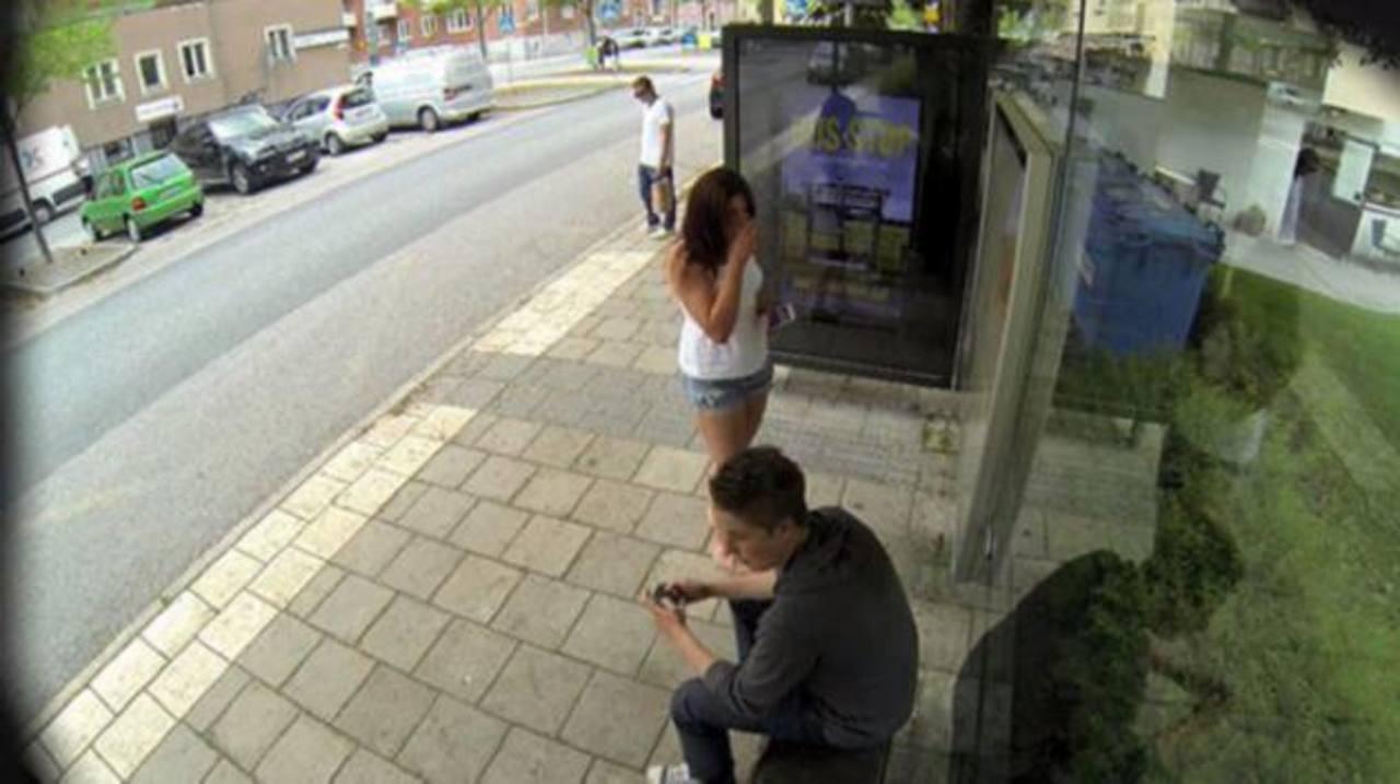 Vídeo: Broma en parada de autobús se vuelve viral