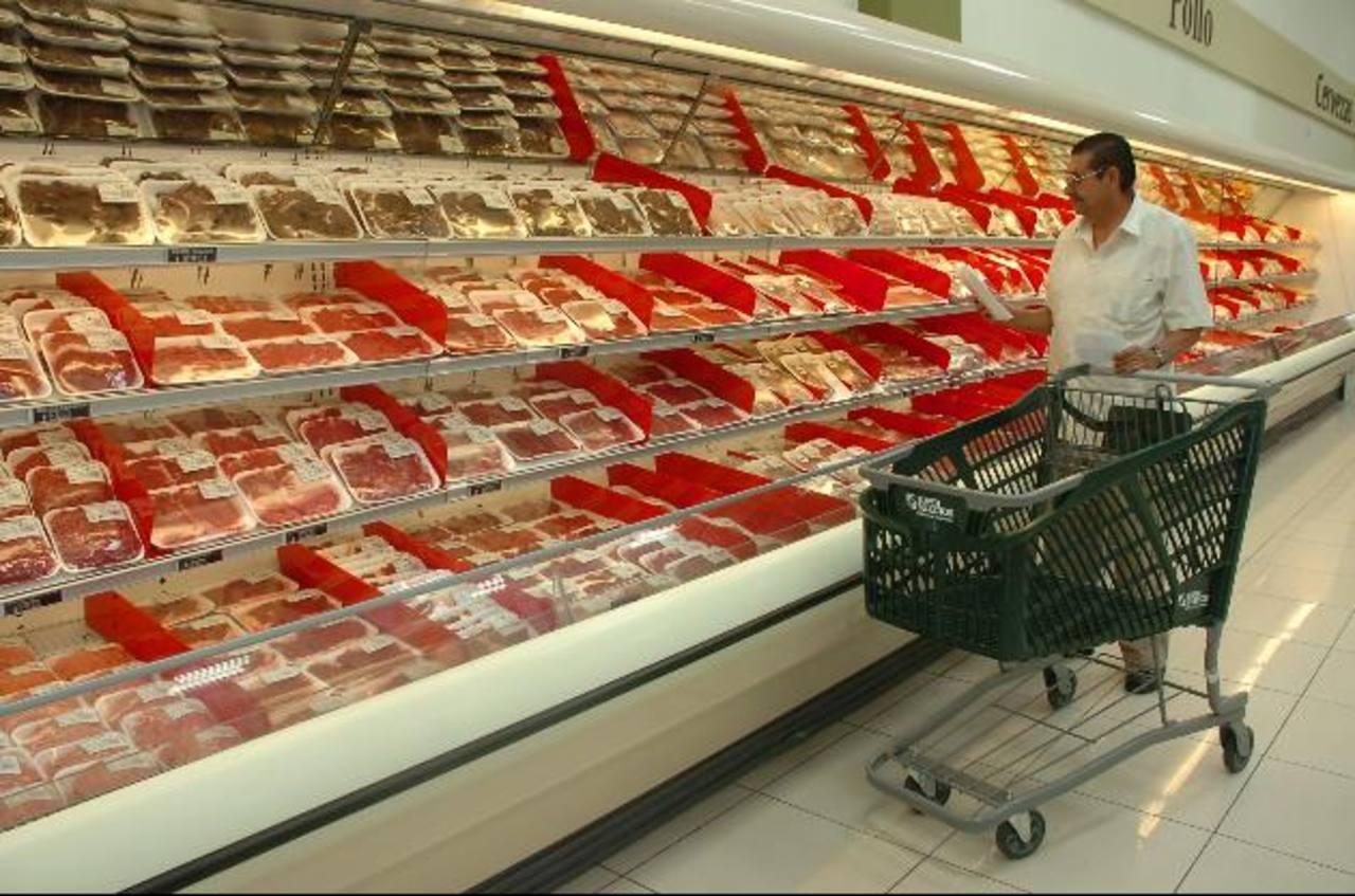 La carne se vende bajo medidas de calidad e higiene. foto EDH