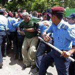 La Unidad Nacional del Adulto Mayor demanda una pensión básica. Foto EDH / REUTERS.