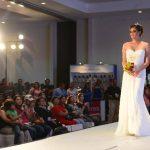 El evento contó con dos pasarelas, una para bodas de playa y otra con diseños de gala. Fotos EDH / douglas urquilla
