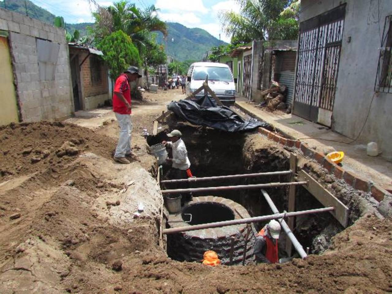 Los habitantes de la colonia El Progreso tendrán pronto el servicio de aguas negras. Foto EDH / Mauricio Guevara
