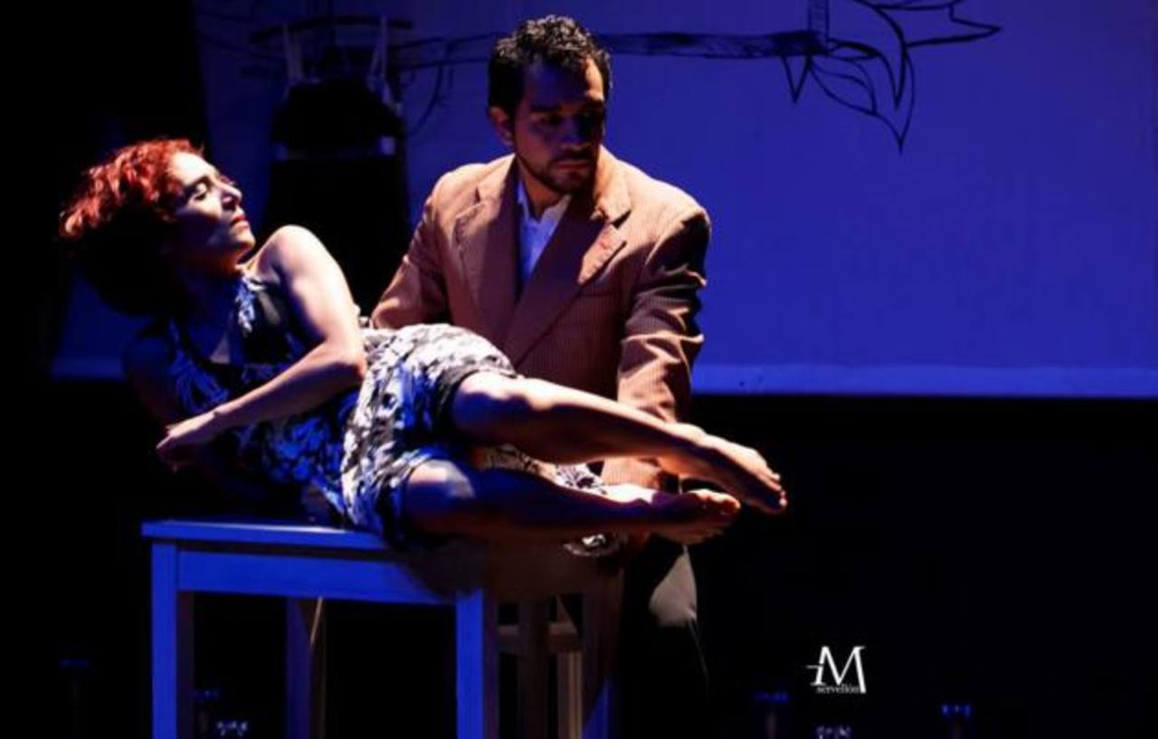 Tania Madrigal vuelve a apantallar con su expresión. La obra dura cerca de una hora. Foto EDH / Cortesía Miguel Servellón