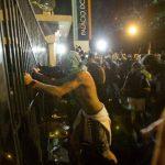 Cientos de estudiantes invadieron la sede del gobierno el pasado 17 de junio en Sao Paulo. foto edh/archivo
