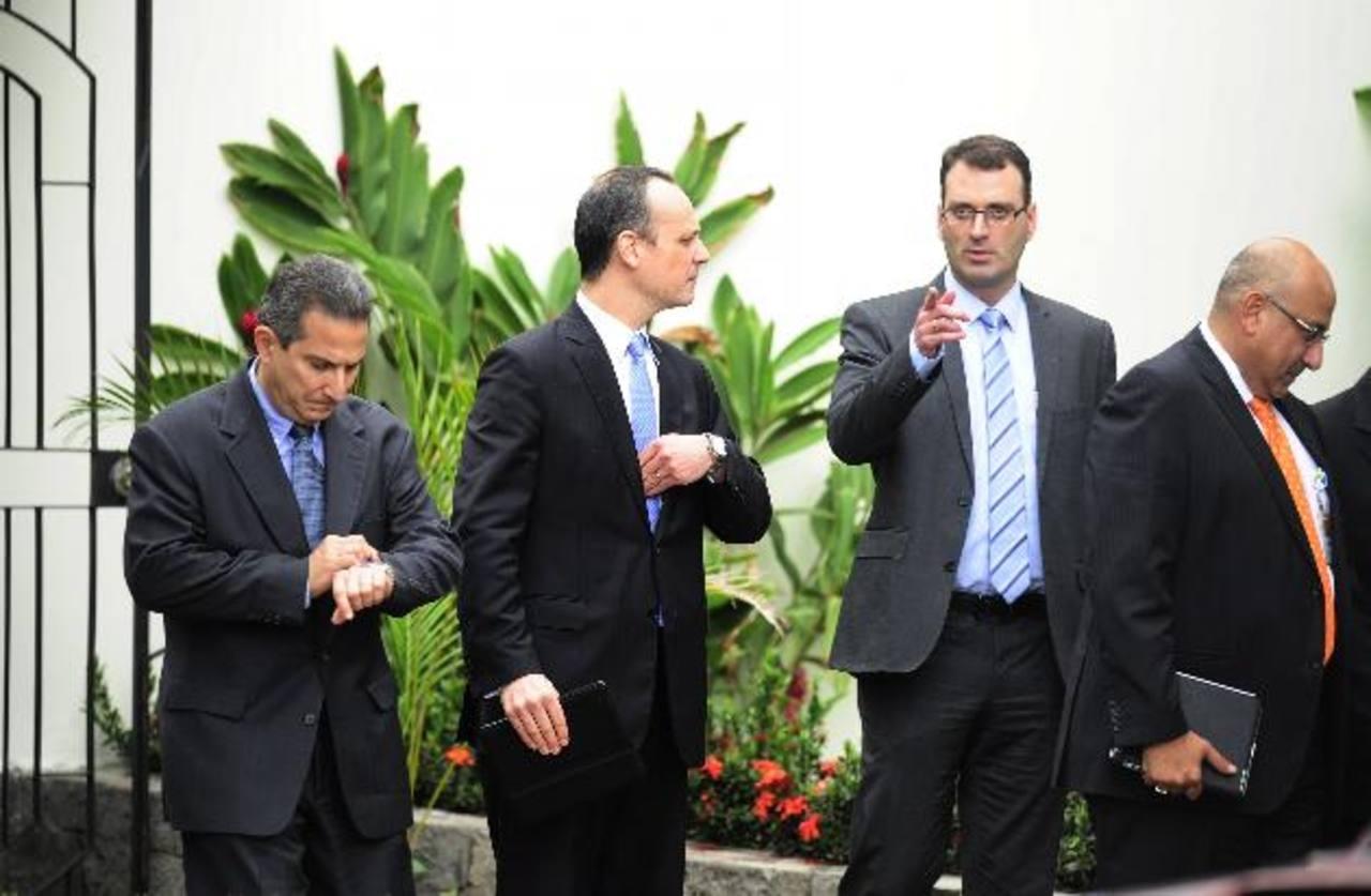 Un grupo de empresarios de varias empresas se reunió ayer con el ministro de Seguridad.