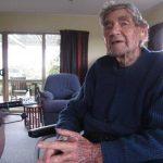 Bob Edwards platica desde su casa sobre su vida. Foto/ AP