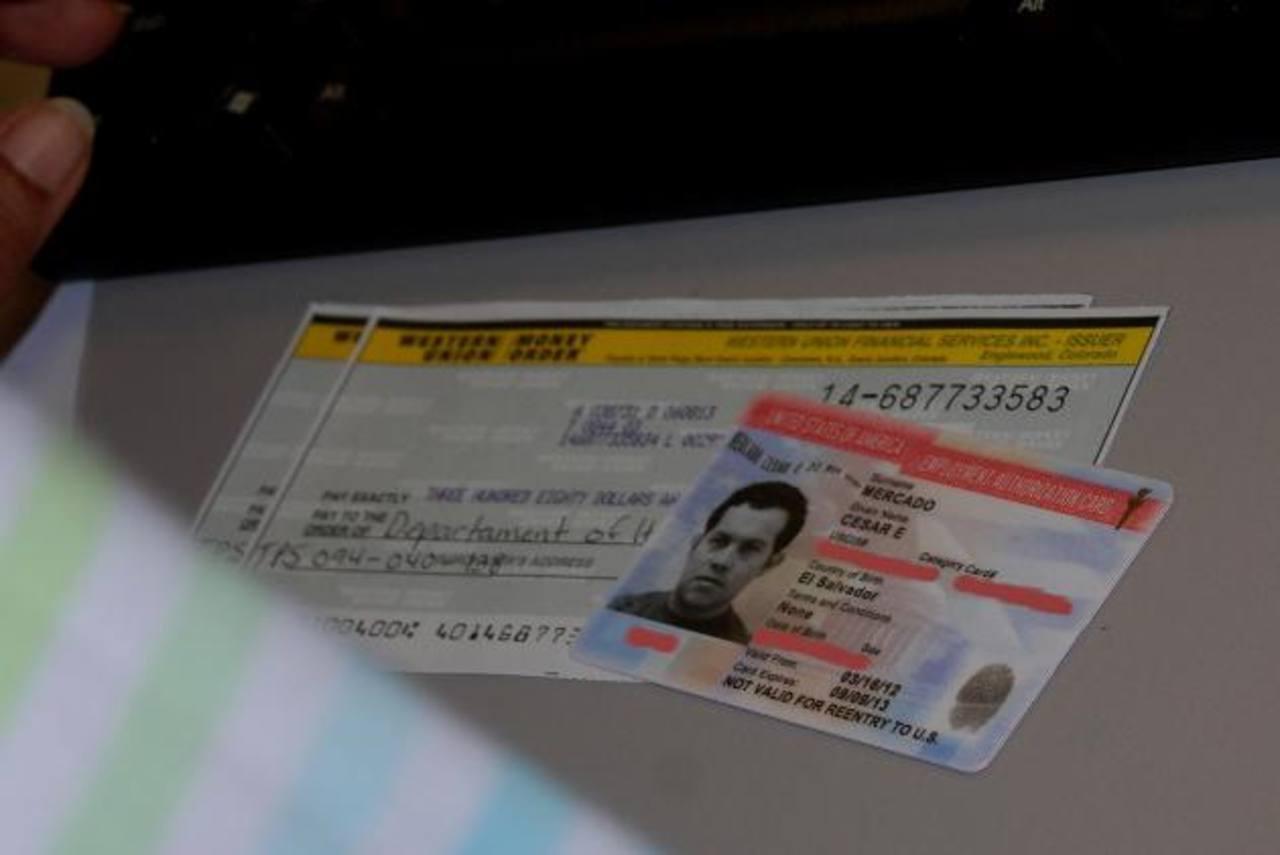 Salvadoreños en los EE. UU. con prisa para reinscribirse al TPS