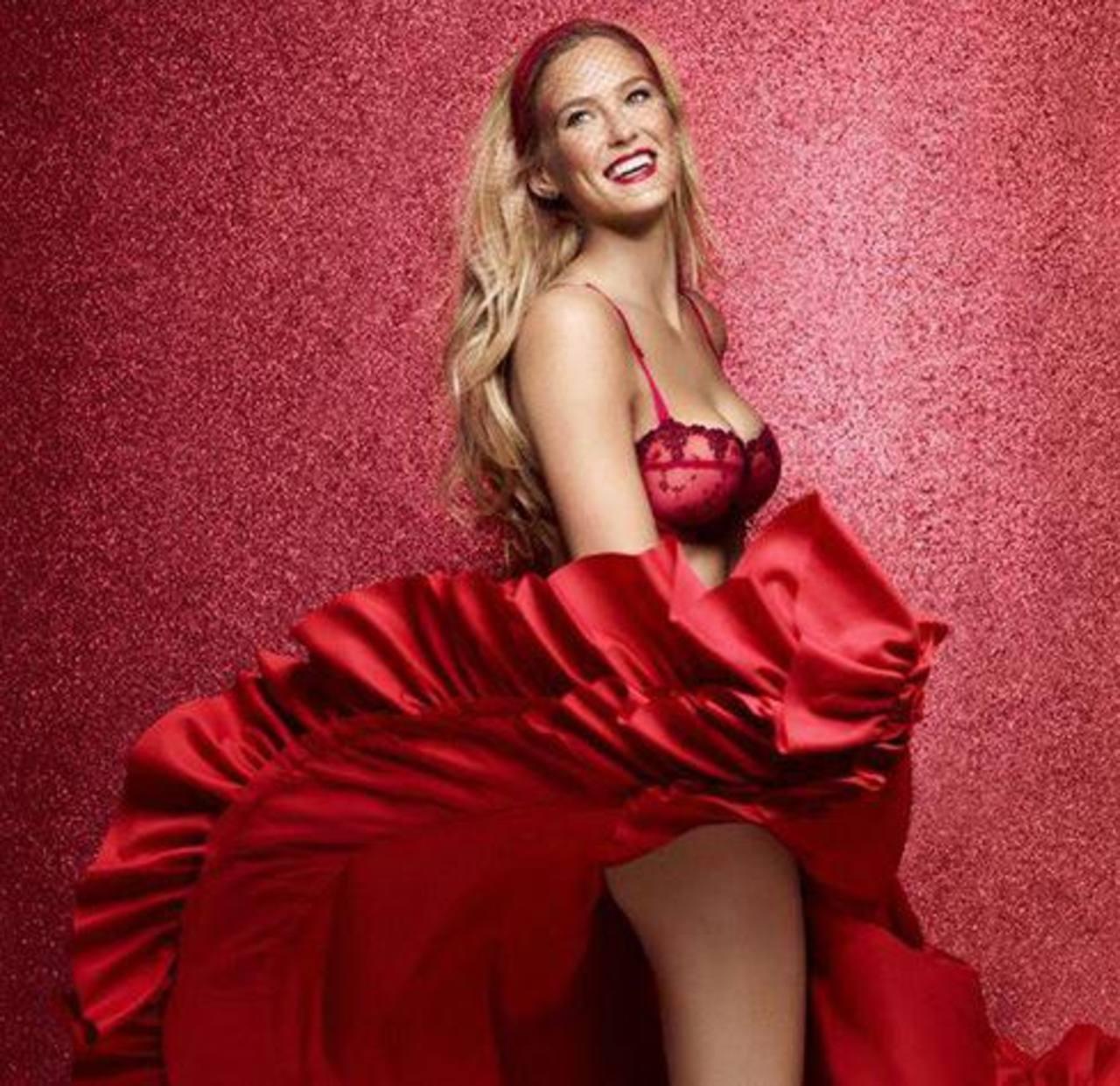 Fotos: Modelo Bar Refaeli se convierte en sexy gitana para Passionata