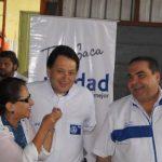 El candidato por Movimiento Unidad, Antonio Saca, junto a dirigentes del PDC y del PCN en Santa Tecla. foto cortesía