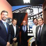 Autoridades del CCEsv y del Grupo Calvo estuvieron presentes en la inauguración. Foto Edh / Omar Carbonero