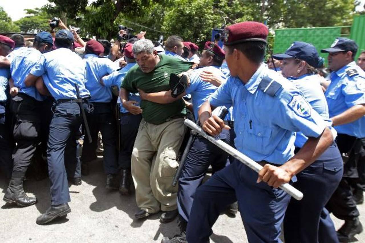 La represión policial contra los ancianos también dejó varias personas golpeadas entre el martes y miércoles de esta semana.