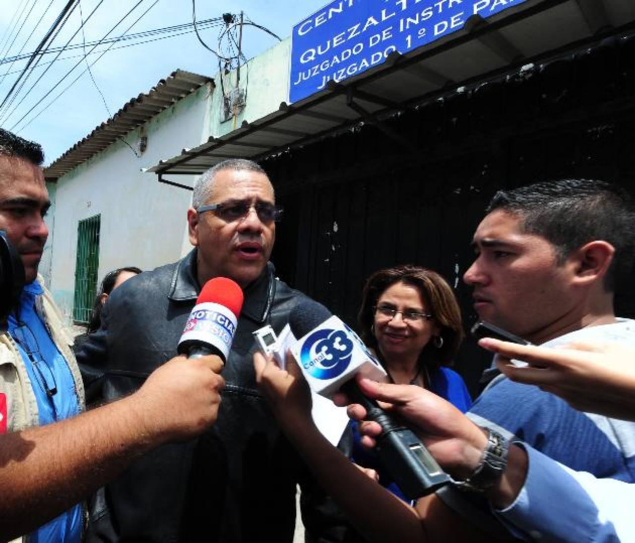 El exviceministro de Justicia, Douglas Moreno, solo está sujeto a ciertas prohibiciones. Foto EDH / Archivo