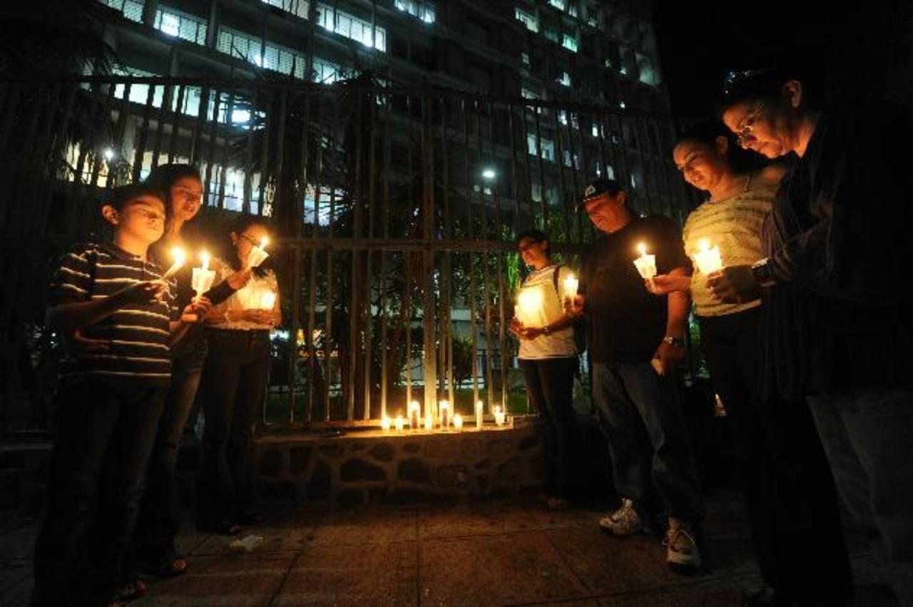 Muchas personas han respondido de forma solidaria para ayudar. Foto EDH / Emilia Pacheco