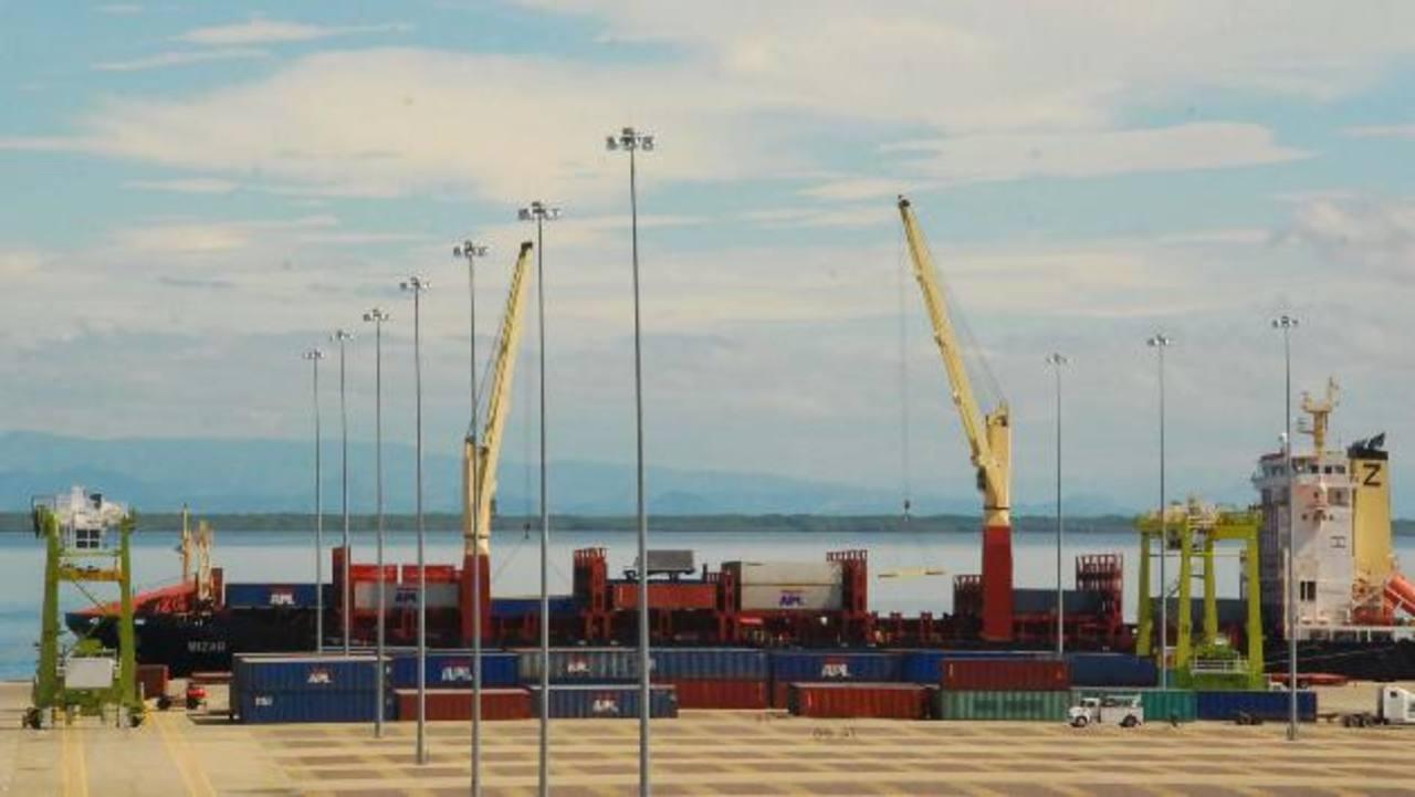 La falta de operaciones del puerto le cuesta al país $11.5 millones al año. foto edh / ARCHIVO
