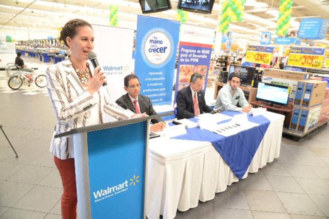 Claudia de Ibáñez, gerente de asunto corporativos de Walmart de México y C.A. Foto edh/ d. rezzio