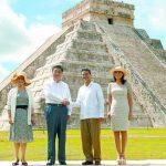 El presidente de China, Xi Jinping (2o. Izq.) estrecha la mano de su homólogo mexicano Enrique Peña Nieto, y partió hacia EE. UU. foto edh / efe