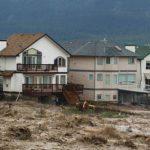 Inundaciones dejan 75 mil evacuados en Canadá